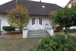 Einfamilienhaus mit großem Gartenparadies - www.HUNDT.IM
