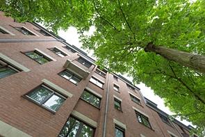 Maisonette-Wohnung mit Aufzug und Tiefgaragenplatz - www.HUNDT.IM