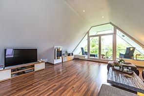 RESERVIERT! Gemütliche Dachgeschosswohnung in Buer - www.HUNDT.IM