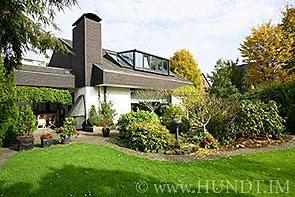 Exklusives Einfamilienhaus mit Einliegerwohnung - www.HUNDT.IM