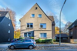 Freistehendes Dreifamilienhaus im Winterschlaf! - www.HUNDT.IM