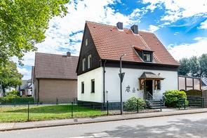 Einfamilienhaus auf einem Erbpachtgrundstück in Hassel!- www.HUNDT.IM