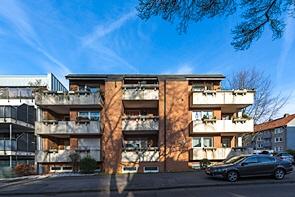 Junge Kapitalanlage mit Balkonen und Garagen - www.HUNDT.IM
