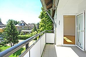 Renovierte, einzugsfertige Wohnung mit Balkon - PROVISIONSFREI - www.HUNDT.IM