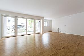 Moderne-Erdgeschosswohnung mit kleiner Terrasse - www.HUNDT.IM
