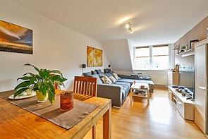 City-Wohnung mit einer Einbauküche! - www.HUNDT.IM
