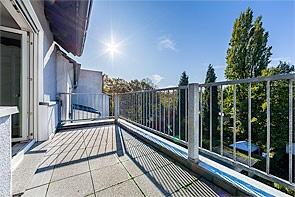 Schöne Dachgeschosswohnung mit Terrasse! - www.HUNDT.IM