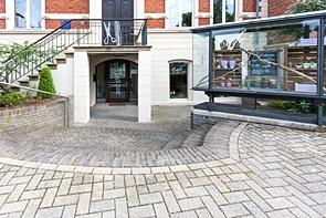 Verkaufsfläche im historischen Ambiente - www.HUNDT.IM