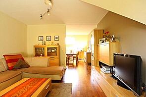 Gemütliche Dachgeschosswohnung in ruhiger Lage - www.HUNDT.IM