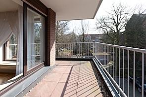 Helle Wohnung mit Aufzug und Terrasse - www.HUNDT.IM